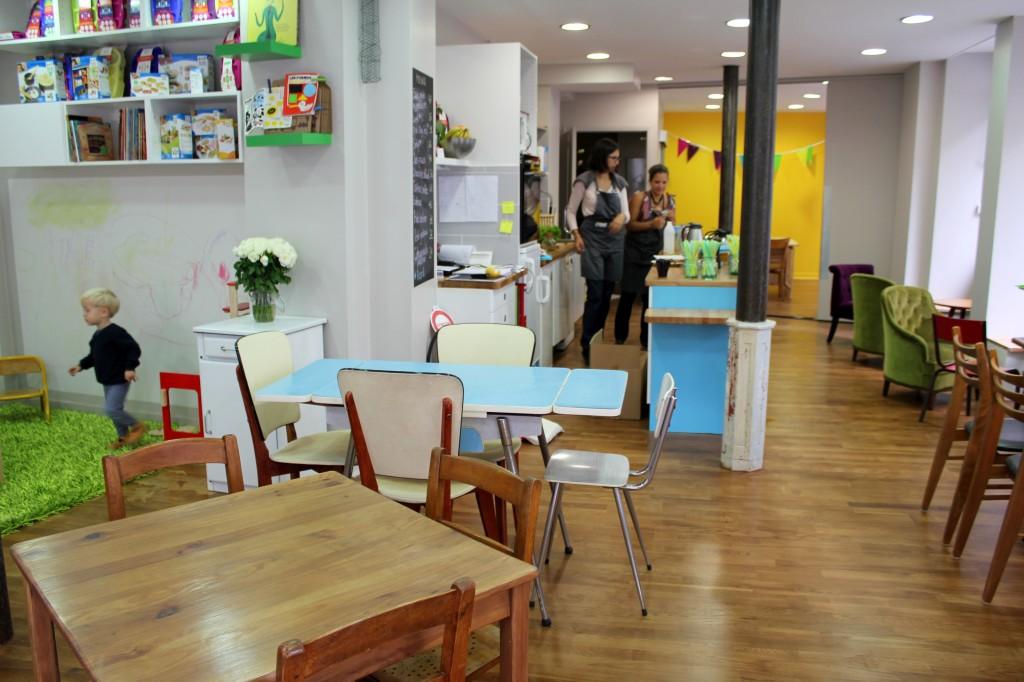 un caf child friendly dans le 11 me cartridge world paris 11. Black Bedroom Furniture Sets. Home Design Ideas